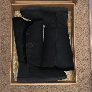 UGG boots w/ Bailey Button Triplet